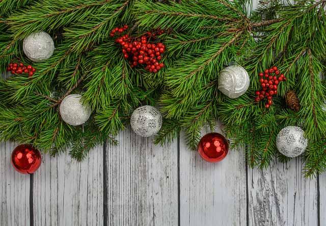 Zvyknete si vianočné dekorácie kupovať, alebo dávate prednosť handmade výrobe?