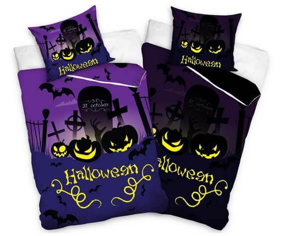 Halloweenska výzdoba v podobe posteľných obliečok