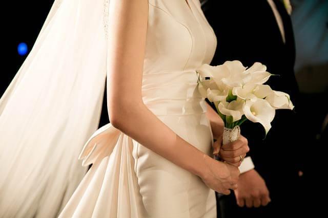 Nepodceňujte výber látky svadobných šiat