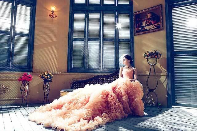 Staroružové svadobné šaty