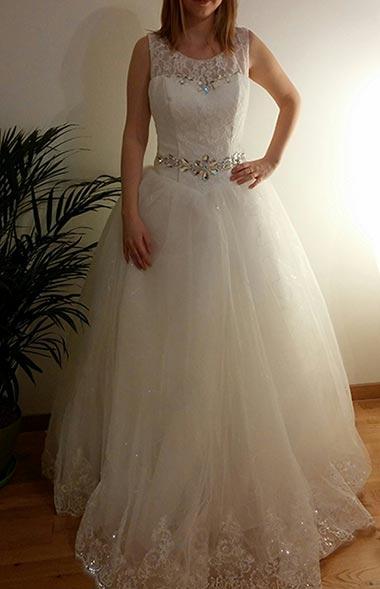 Ja v svadobných šatách