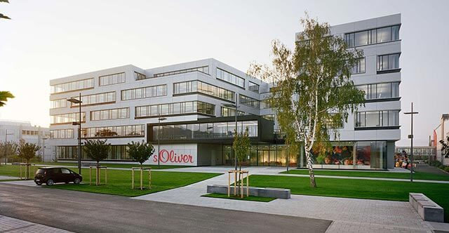 Ústredie spoločnosti s.Oliver sa nachádza v Rottendorfe