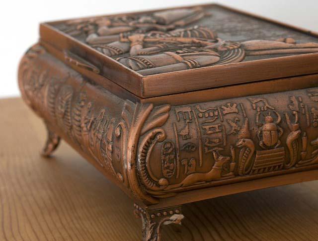 Starožitná egyptská šperkovnica