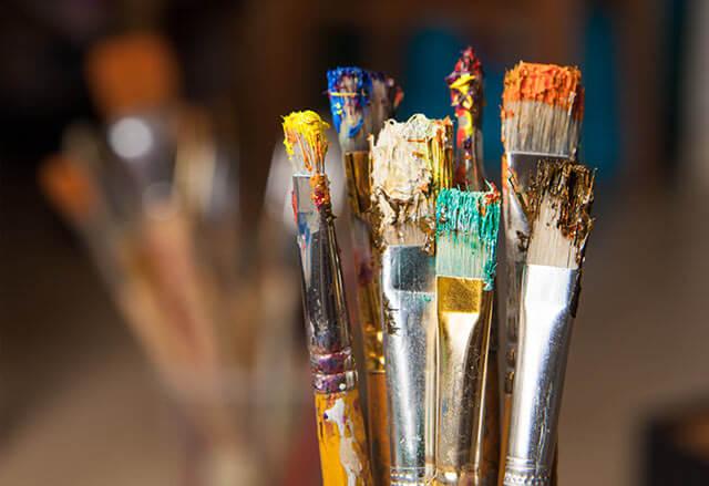 Ručne maľované obrazy sa vytvárajú takýmito umeleckými štetcami